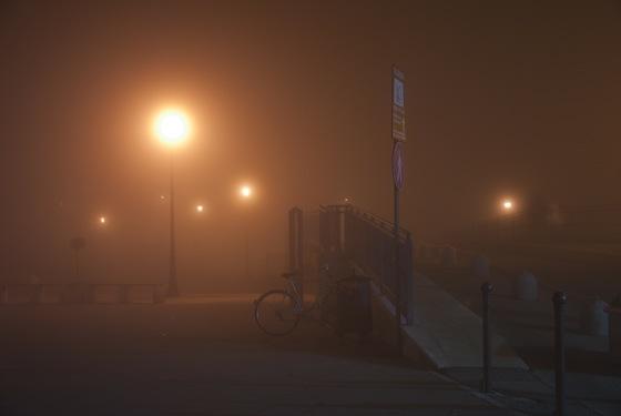 Marano - Ponte nella nebbia, vicino al mercato del pesce